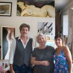 O artista Roberto Guarnieri e sua assistente.