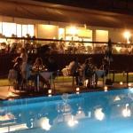 la cena interrazza a bordo piscina