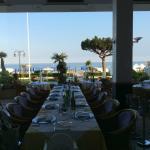 terrazza fronte mare per colazioni e pranzi