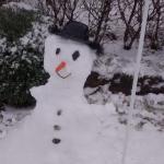 hasta hicimos muñeco de nieve en la puerta