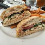 Pollo pannini sandwich