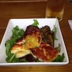 Grilled courgette and haloumi salad
