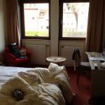 Zimmer mit niedriger Decke