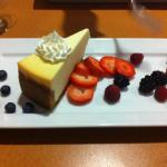 Cheesecake with fruit compote