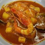 """""""Suquet""""de pescado de roca al estilo tradicional"""