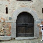Antico portale con architrave di pietra