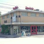 Paulie's Restaurant resmi
