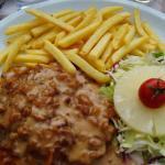 Chicken with cornflakes sauce