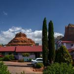 Assigned parking for all five rooms, Bell Rock & Courthouse Butte in your backyard.