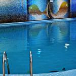 free Jacuzzi - pool & sauna
