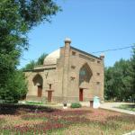 Мавзолей Карахана (11-12 вв., перестроен в начале 20 в.)