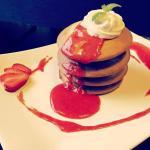 Pancakes z musem truskawkowym (strawberry pancakes)