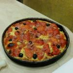 Ottime Pizze e fa anche un'ottima focaccia per quanto riguarda il servizio è ottimo.