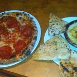 American pizza with artichoke dip