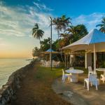 Haus Win Resturant beach front, Madang Resort