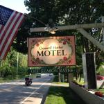 Cromwell Harbor Motel