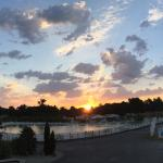 Soleil levant sur le lagon