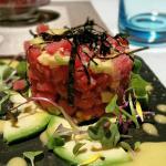 Tartar de atún...rojo...fresco...exquisito.