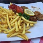 Saure Knödel und Schnitzel mit Tk Pommes