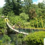Puente colgante sobre el río Cautín
