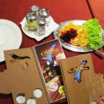 O menu dá uma ideia do capricho do lugar