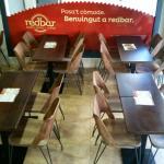 Mesas para varios comensales de Redpizza by redbar Sitges