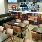 Mobiliario de la nueva imagen de Redpizza by redbar Sitges