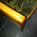 notdürftig reparierte Möbel
