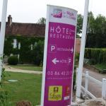 panneau indiquant l'hôtel