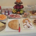 Homebaked breakfast by Monica