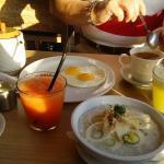 カキアンベーカリーでの朝食です。