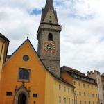 La chiesa e la piazza