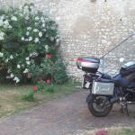 Petit recoin pour une ou deux motos ....