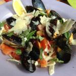 Fresh Tomato and Basil Pasta with Mussels