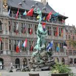 Het stadhuis van Antwerpen  op de Grote Markt