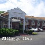 Magnuson Hotel International Exterior