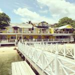 The Beach House Hotel Roatan - RIGHT on Half Moon Bay