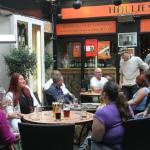 Hallies Bar