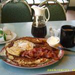 Das opulente Frühstück mit Pfannkuchen