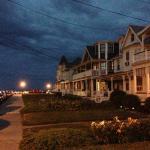 nice neighborhoods near the beach