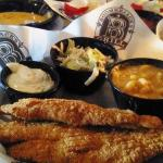 Catfish, coleslaw & mac'n'cheese- one of my favorites