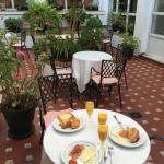 Snídaně v zahradě