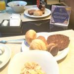Muy buen desayuno buffet .
