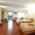 * PERFECTLY CENTRALLY LOCATED.  + We have the city's tourist attractions, outdoor markets, resta