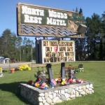 Foto de NorthWoods Rest Motel, LLC