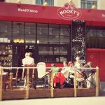 La terrasse de Mooky's au soleil