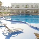Pool area (141141253)
