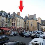 Le Bistrot indicated below the arrow.