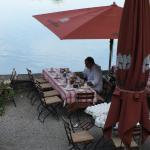 Colazione bordo lago spettacolare!!