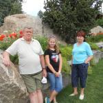 семья вместе с внучкой